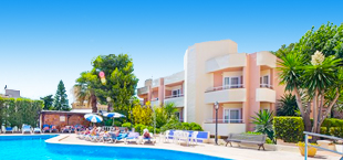 Adults only resort met zwembad in Spanje