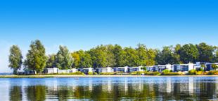 Meer en vakantiehuisjes van Droomparken Bad Hoophuizen