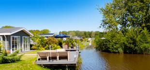 Vakantiehuis aan het water van Droomparken Buitenhuizen