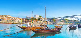 2 boten in de zee van Porto