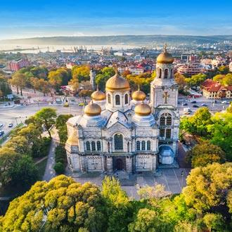 Luchtfoto van de Kathedraal in Varna