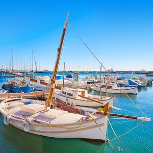 Port marina in Cambrils met boten