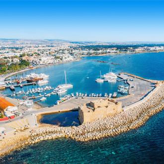 Haven met kasteel in Paphos, Cyprus