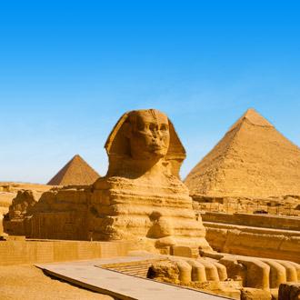 De Sfinx met piramides in Giza, Egypte