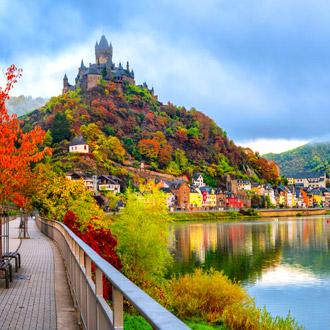 Duitsland-Historische-stadje-Cochem-in-Rheinland-Pfalz