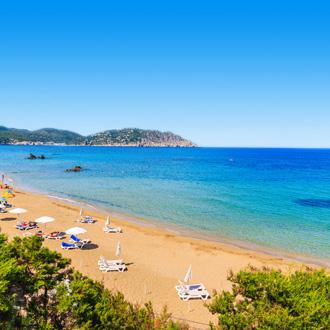 Het strand op Ibiza