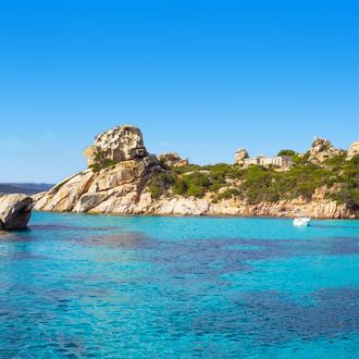 Gesteente aan de Mediterraanse Zee