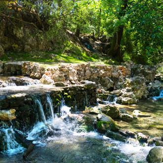 Epta Piges 7 bronnen met waterval in Kolymbia