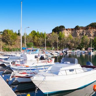 Uitzicht op de haven van Tsivili