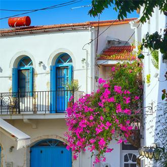 Griekse gebouwen in Panormos