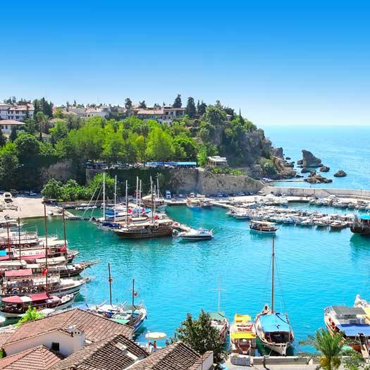 Haven met bootjes in Antalya