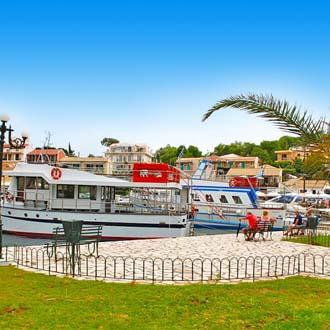 Haventje van Acharavi op Corfu