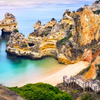 Het prachtige Camilo Beach in Lagos. Algarve, Portugal