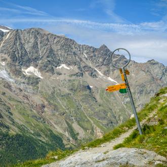 Hiking Trail in het Saastal bij Saas Grund