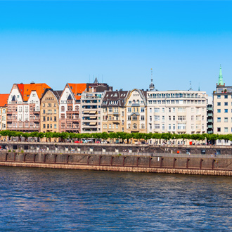 Huizen aan de Rijn bij Dusseldorf, Nordrhein Westfalen