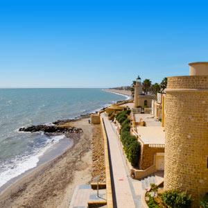 Kasteel aan de kust van Roquetas de Mar, Spanje