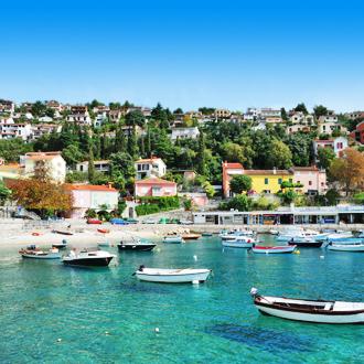 Haven van Rabac in Istrie, Kroatie