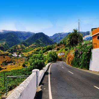 Uitzicht over groene vallei op La Palma
