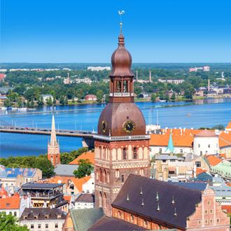 Koepkathedraal en Daugava rivier in Riga, Letland