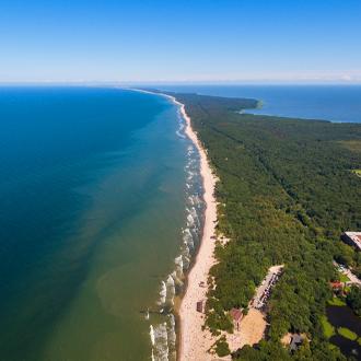 De kustlijn in Litouwen