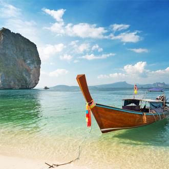 Longtail-boot-bij-Ao-Nang-Beach