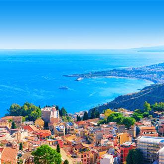Luchtfoto van Taormina op Sicilie, Italie