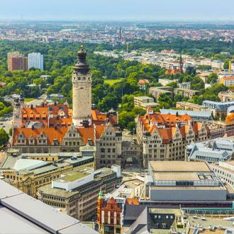 Luchtfoto van de stad Leipzig met historische toren