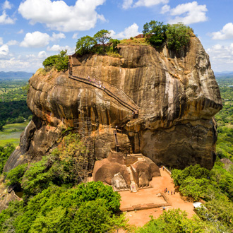 Luchtfoto van Lion Rock in Dambulla, Sri Lanka