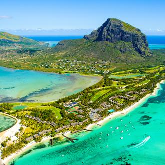 Luchtfoto van Mauritius en het beroemde Morne Brabant