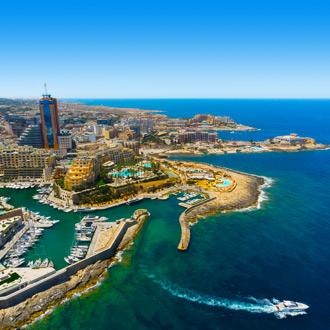 Luchtfoto van St. Julians, Malta