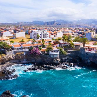 Luchtfoto van Tarrafal kust in Santiago island, Kaapverdie