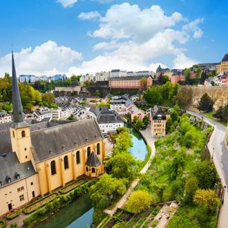 Uitzicht over de Abbey de Neumunster in Luxemburg