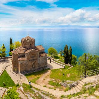 Een Macedonisch-orthodoxe kerk, de Saint John in Kaneo, Macedonie