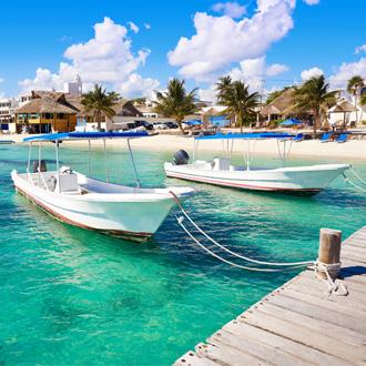 Puerto Morelos strand en bootjes in Maya Riviera
