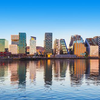 Moderne gebouwen in de buurt van Bjorvika in de Noorse hoofdstad Oslo, Noorwegen