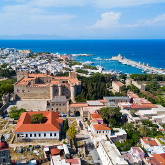 Panoramisch uitzicht op de oude stad, Rhodos, Griekenland