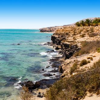 Kust met rotsen en zee Costa Calma, Fuerteventura
