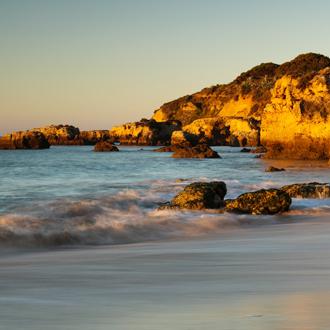 Rotsen-Praia-da-Oura