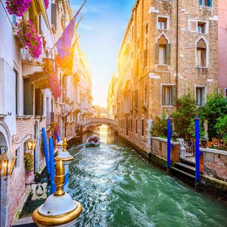 Smal kanaal in Venetie