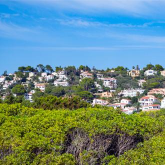 Spaanse huizen op de berg van Son Bou