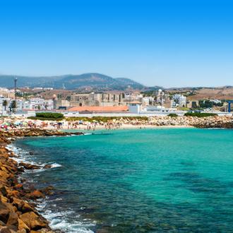 Uitzicht op de baai in Costa de la Luz in Spanje