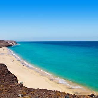 Strand met zee Costa Calma, Fuerteventura