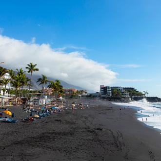 Zwarte strand van Puerto Naos