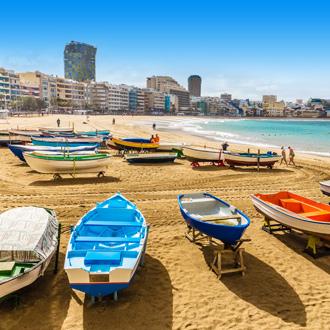 Las Canteras met bootjes in Las Palmas
