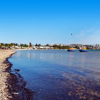 Strand en zee Torba