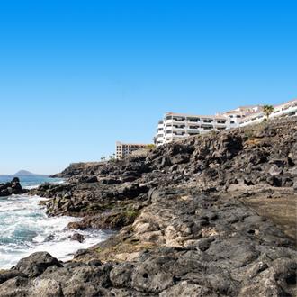 Hotels op een klif in Costa del Silencio
