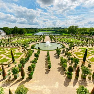De tuinen van het paleis van Versailles in Parijs, Frankrijk