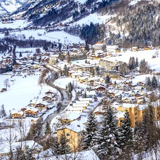 Uitzicht op Bad Gastein in Oostenrijk