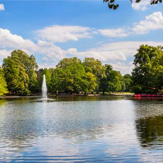 Vijver in het Volksgarten Park in Keulen