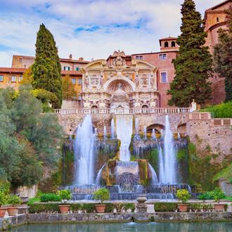 Villa d'Este is een 16e-eeuwse villa in Tivoli, Lazio